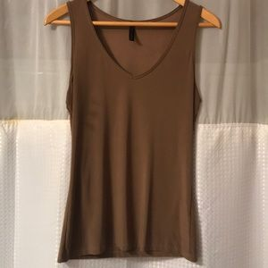 Perfect nude vneck tank